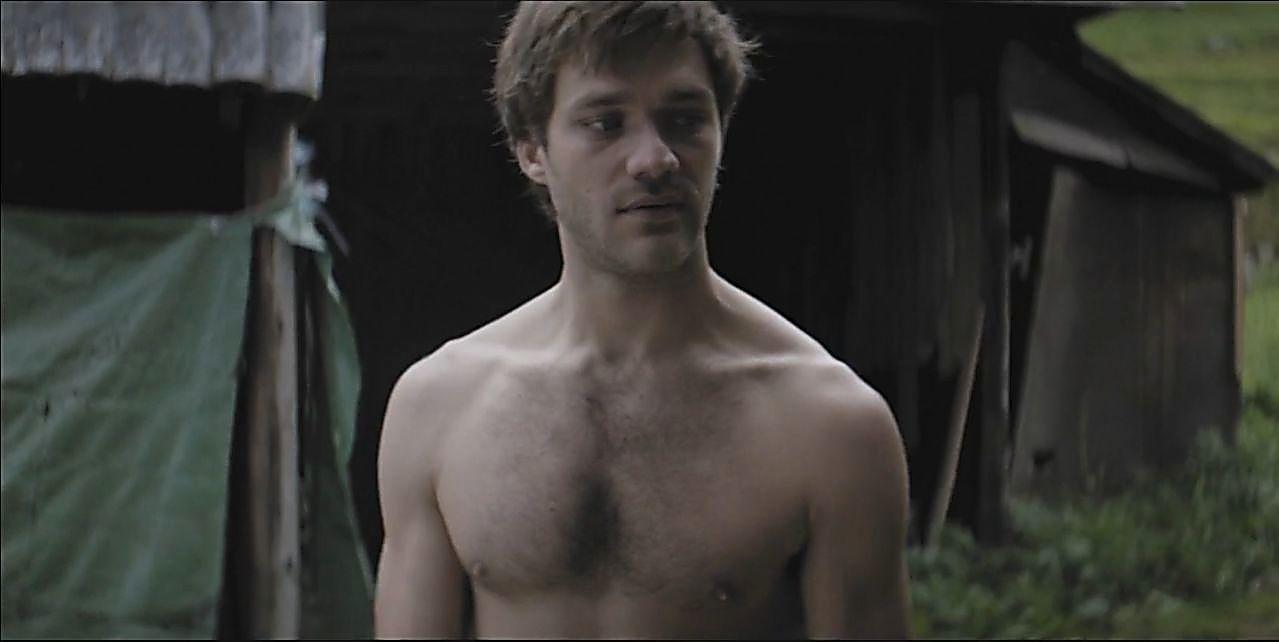 Lorenzo Richelmy sexy shirtless scene June 15, 2019, 1pm