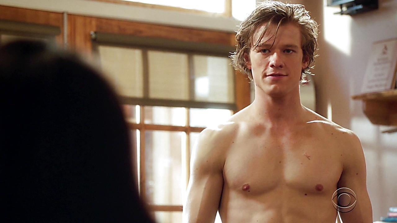 Lucas Till latest sexy shirtless scene February 18, 2019, 9am