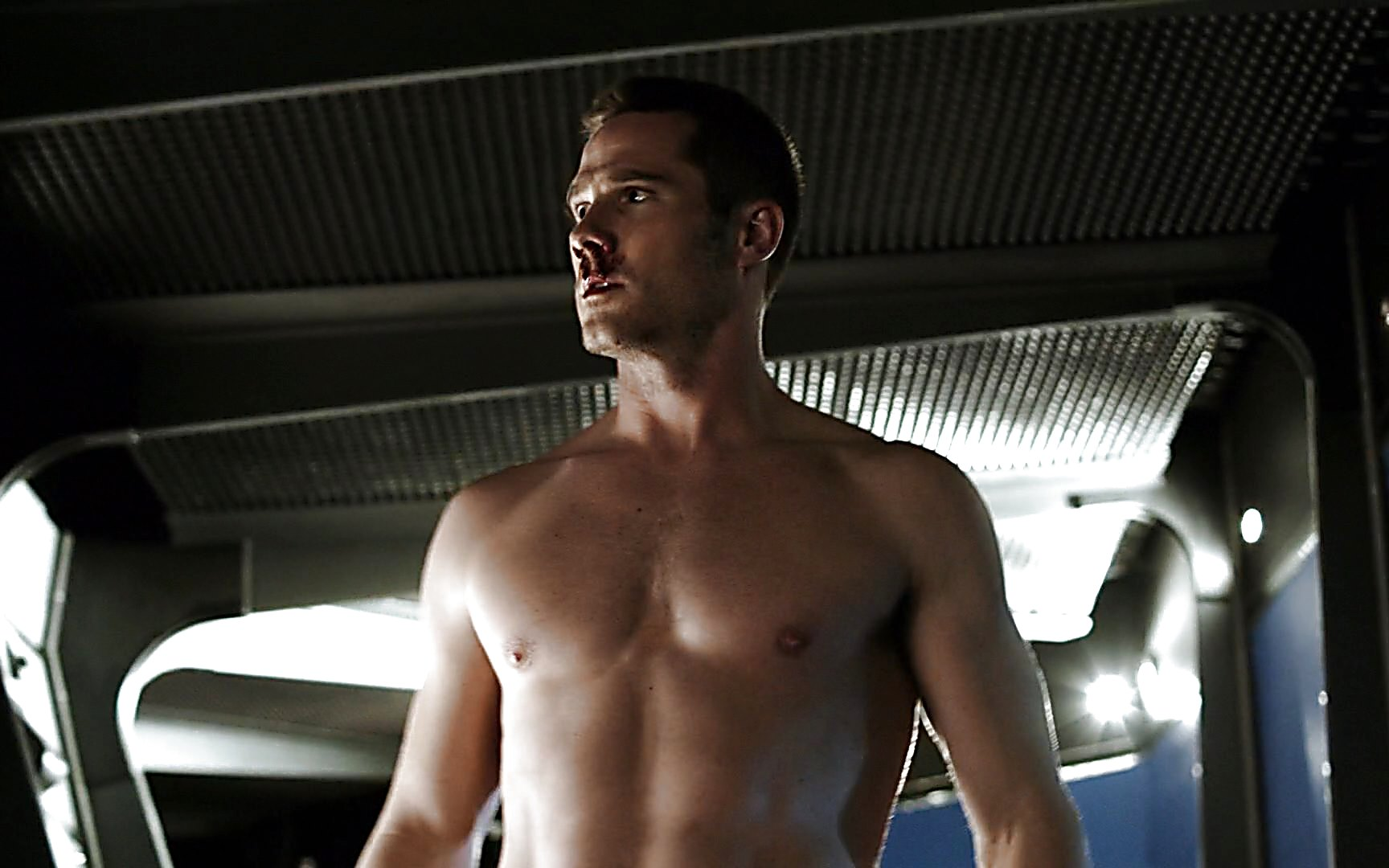 Luke Macfarlane sexy shirtless scene August 1, 2015, 4pm
