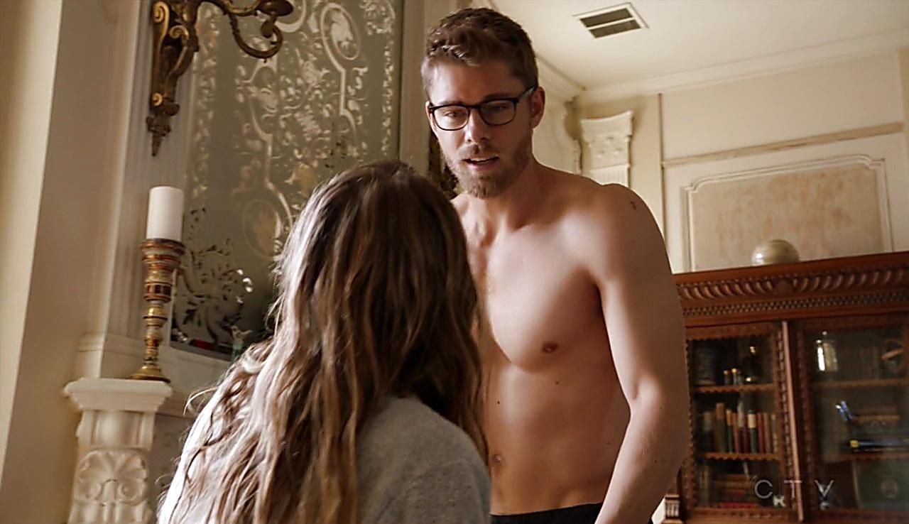 Luke Mitchell sexy shirtless scene March 7, 2018, 12pm
