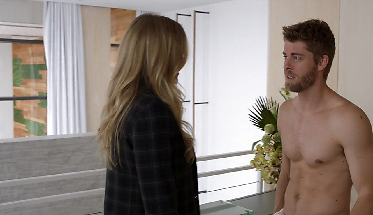 Luke Mitchell latest sexy shirtless scene April 28, 2018, 12pm