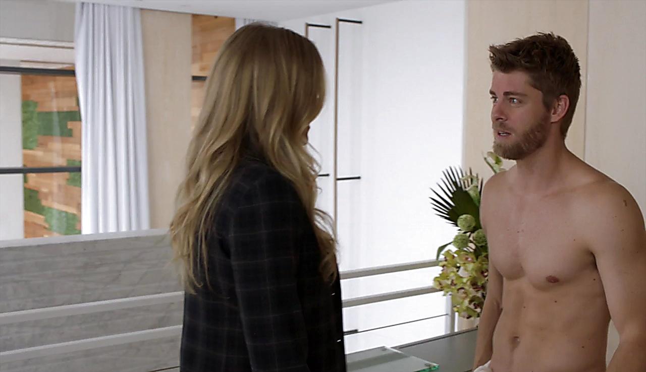 Luke Mitchell sexy shirtless scene April 28, 2018, 12pm