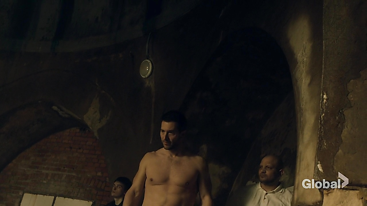 Luke Roberts sexy shirtless scene May 9, 2019, 9am