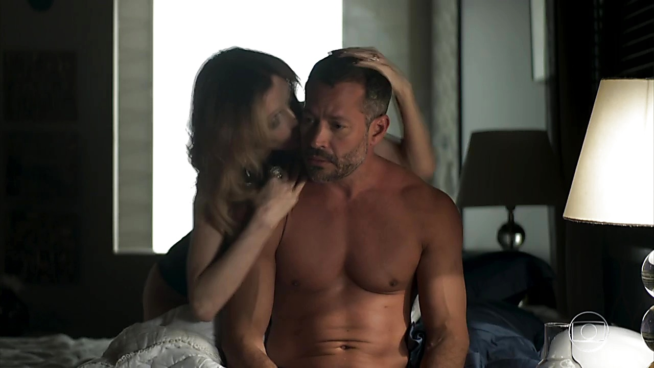 Malvino Salvador sexy shirtless scene June 14, 2019, 12pm