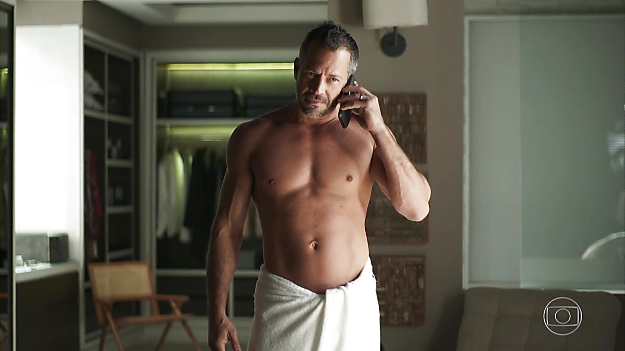 Malvino Salvador sexy shirtless scene June 20, 2019, 1pm