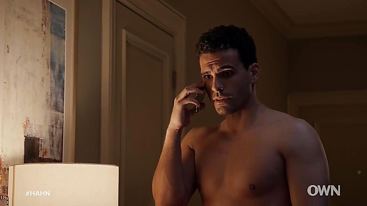 Marc Crumpton sexy shirtless scene January 16, 2019, 12pm