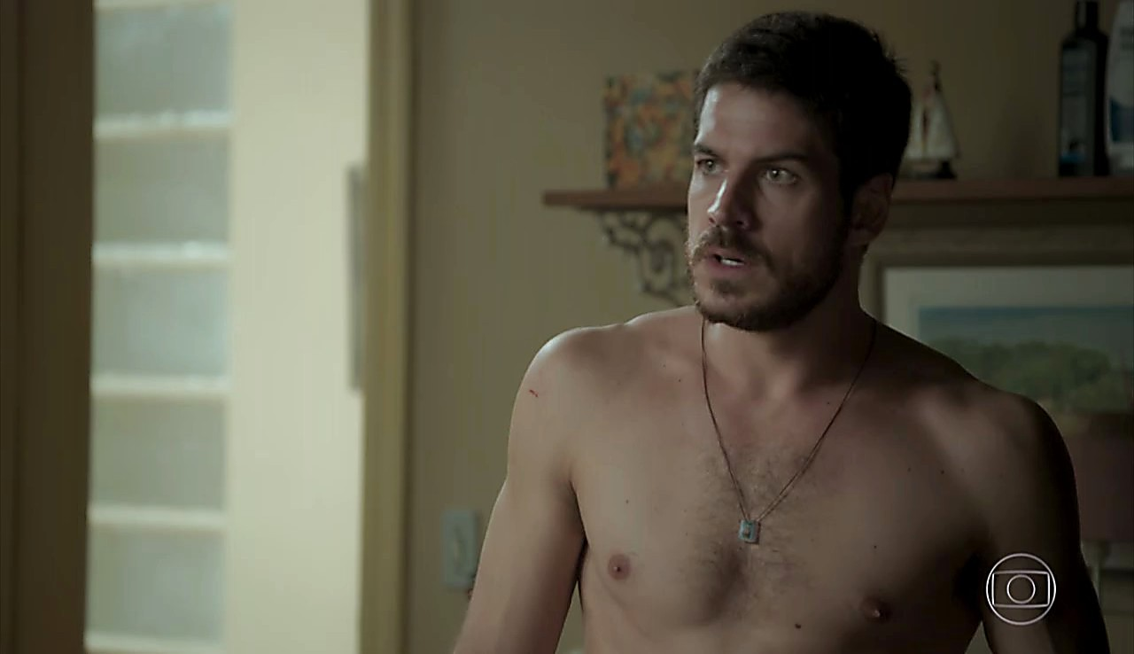 Marco Pigossi sexy shirtless scene May 7, 2017, 12pm