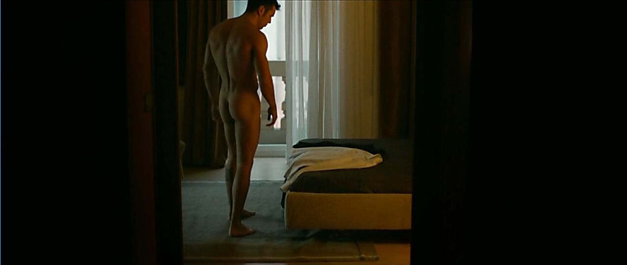Mario Casas sexy shirtless scene May 10, 2019, 12pm