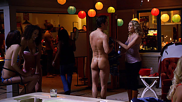 Mark Paul Gosselaar sexy shirtless scene November 1, 2020, 6am