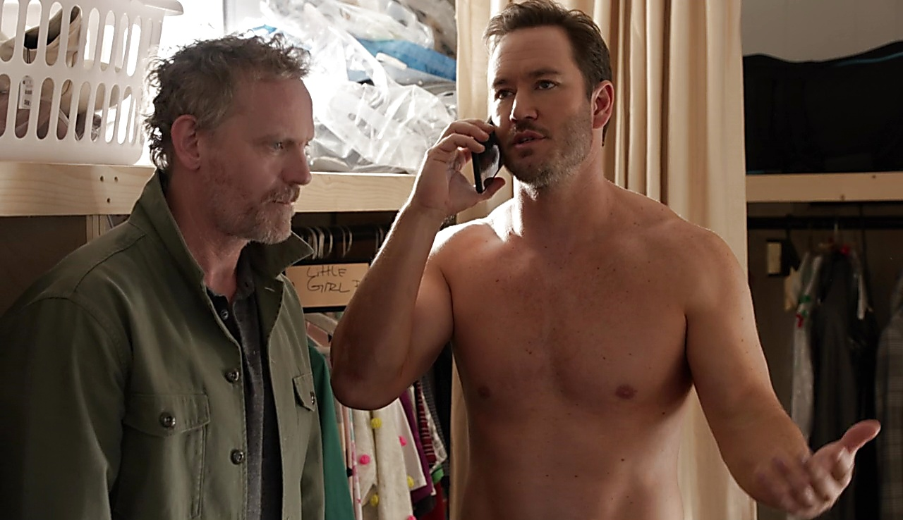 Mark Paul Gosselaar Nobodies S02E06 2018 04 27 2