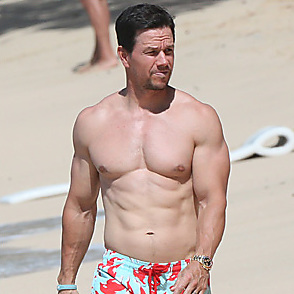 Mark Wahlberg latest sexy shirtless January 23, 2018, 11am