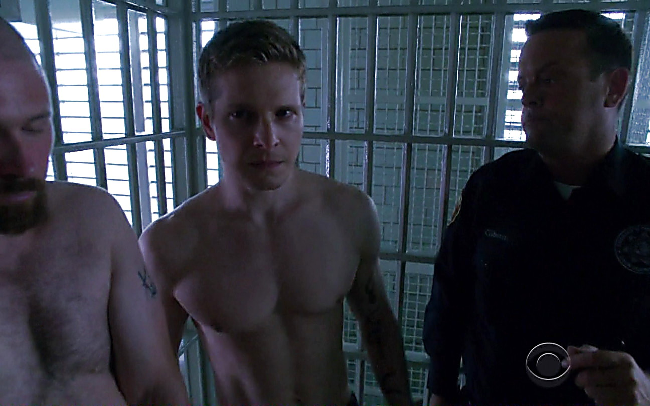 Matt Czuchry sexy shirtless scene September 30, 2014, 12am