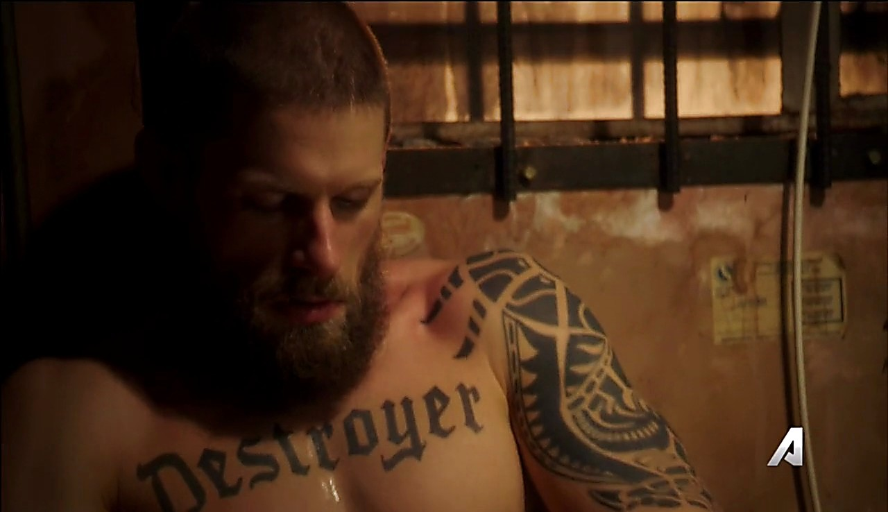 Matt Lauria sexy shirtless scene June 29, 2017, 7am