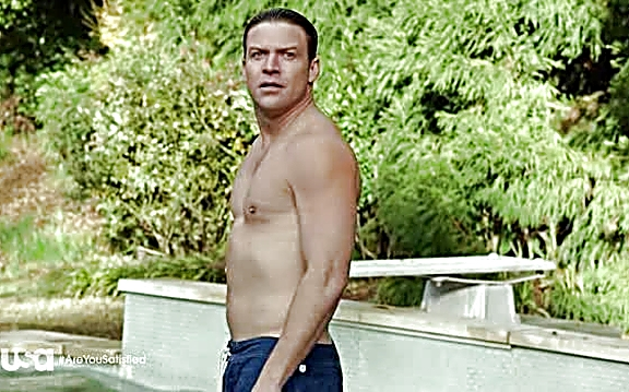 Matt Passmore   Satisfaction 1x01 30