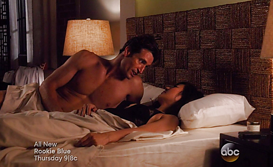 Justin Hartley sexy shirtless scene August 2, 2014, 9pm