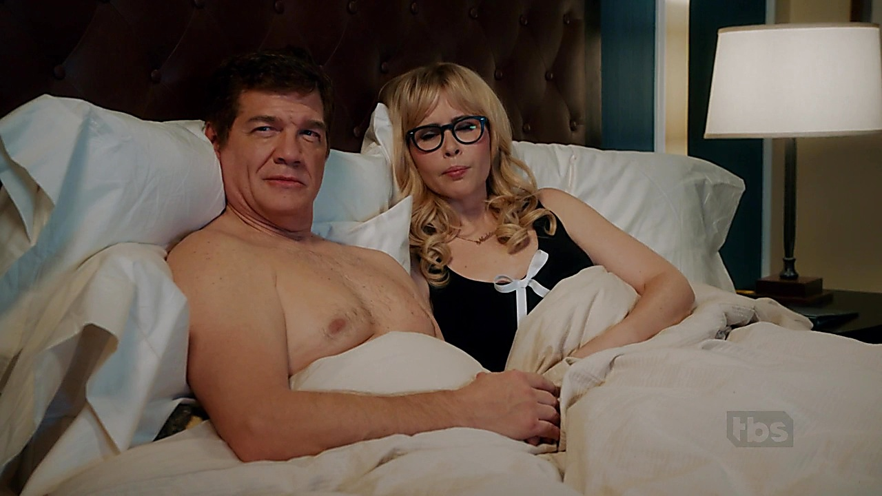 Matthew Glave sexy shirtless scene January 1, 2019, 1pm