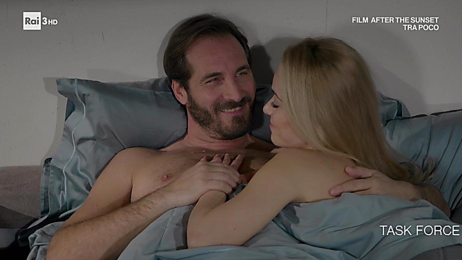 Maurizio Aiello sexy shirtless scene March 31, 2020, 5am