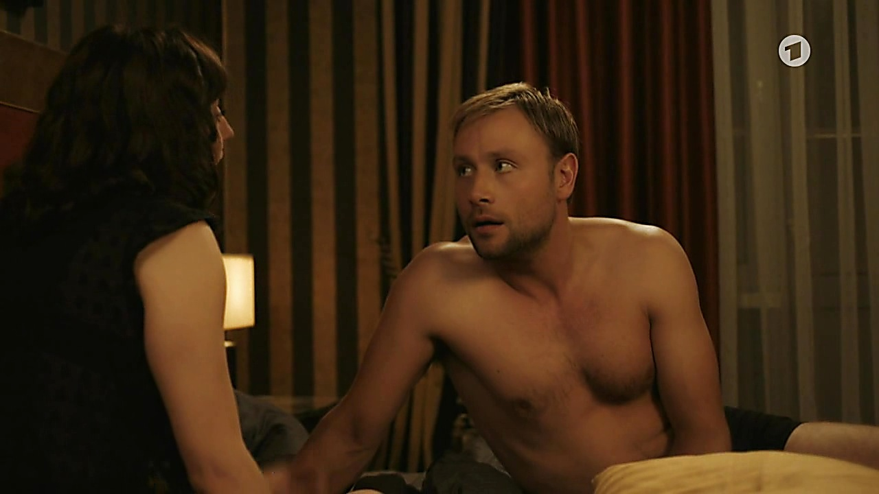 Max Riemelt sexy shirtless scene March 14, 2019, 12pm