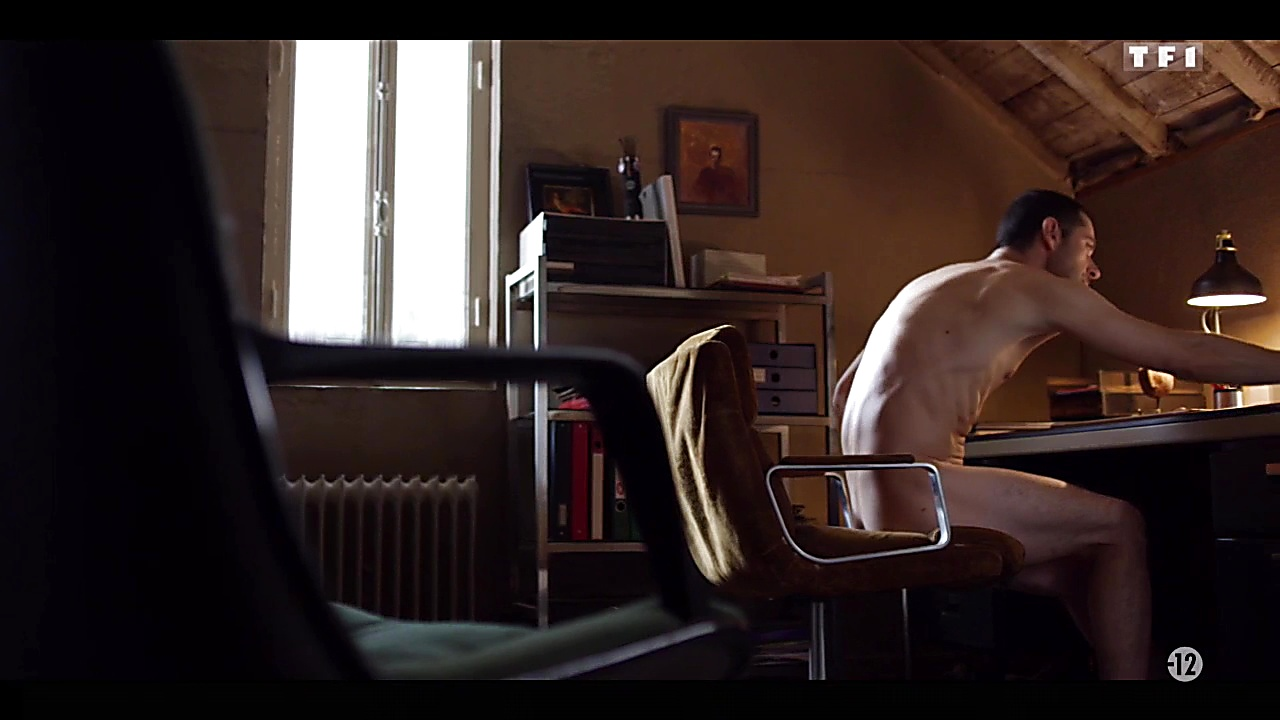 Melvil Poupaud sexy shirtless scene September 14, 2018, 10am