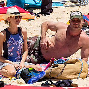 Naomi Watts latest sexy shirtless December 28, 2015, 5pm