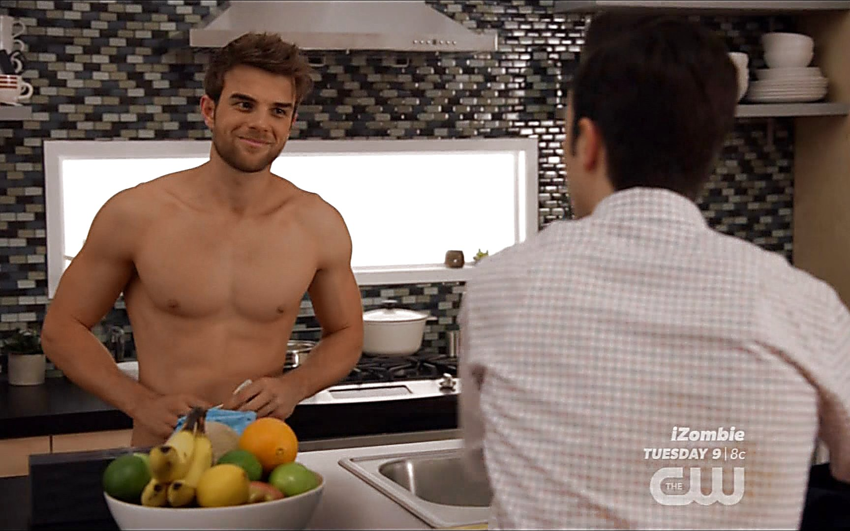 Nathaniel Buzolic sexy shirtless scene August 4, 2015, 1am