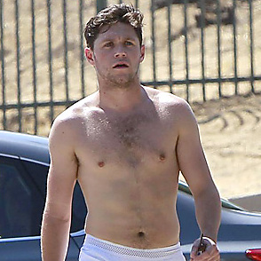 Niall Horan latest sexy shirtless August 11, 2017, 3pm