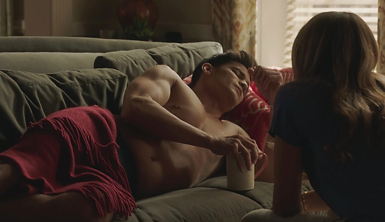 Nicholas Gonzalez sexy shirtless scene July 27, 2017, 12pm