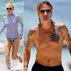 Nicole Kidman latest sexy shirtless December 20, 2016, 6pm
