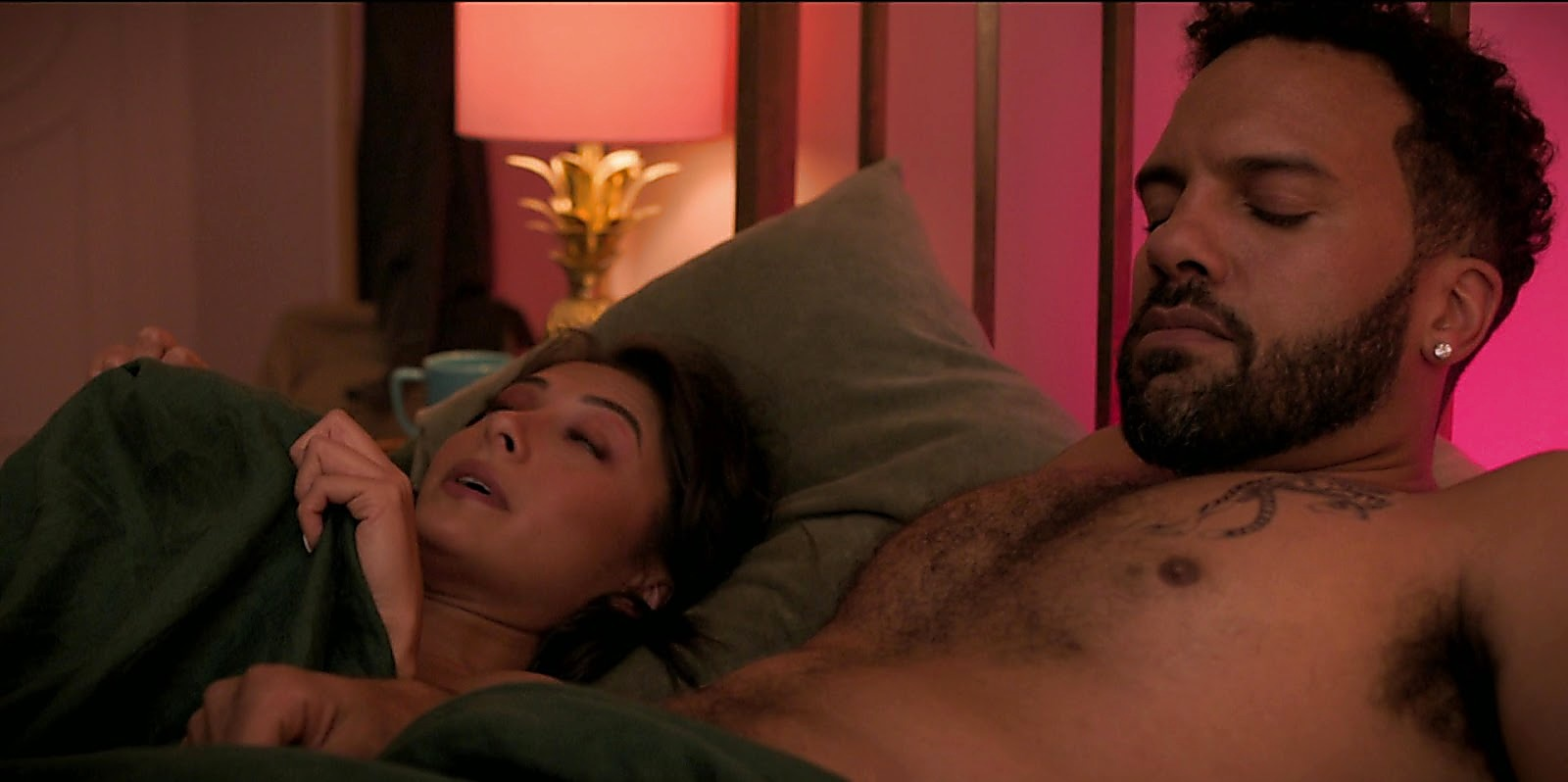 O T Fagbenle sexy shirtless scene July 28, 2020, 12pm