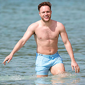 Olly Murs latest sexy shirtless January 8, 2016, 3am