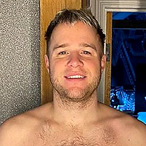 Olly Murs latest sexy shirtless February 25, 2020, 5pm