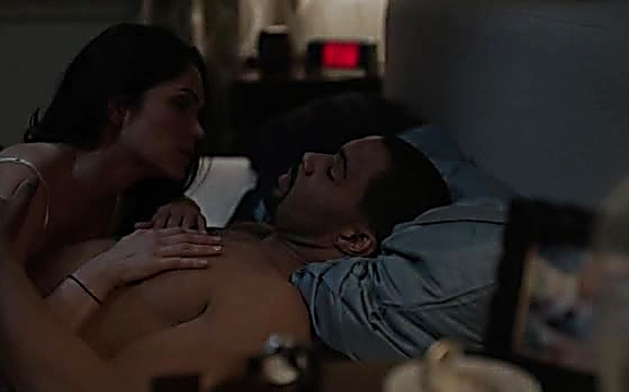 Omari Hardwick sexy shirtless scene July 21, 2014, 2pm