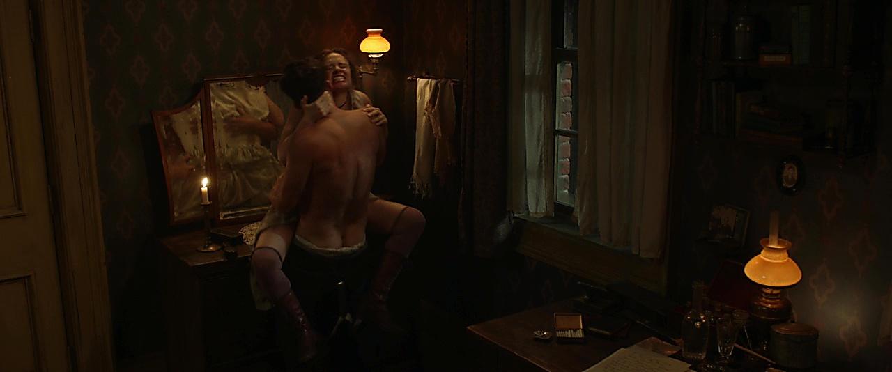 Orlando Bloom sexy shirtless scene September 4, 2019, 12pm