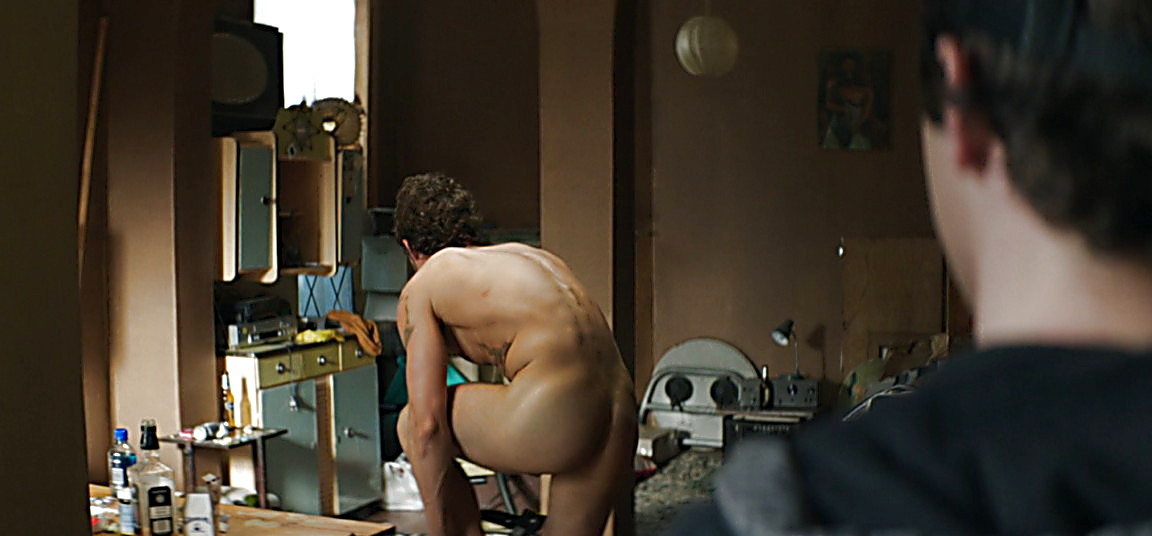 Orlando Bloom sexy shirtless scene April 12, 2014, 10pm