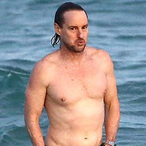 Owen Wilson latest sexy shirtless December 8, 2017, 8pm