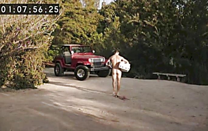 Geoff Stults sexy shirtless scene February 9, 2014, 12am