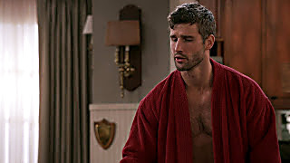 Parker Young United States Of Al S01E01 2021 04 02 1617355800 11
