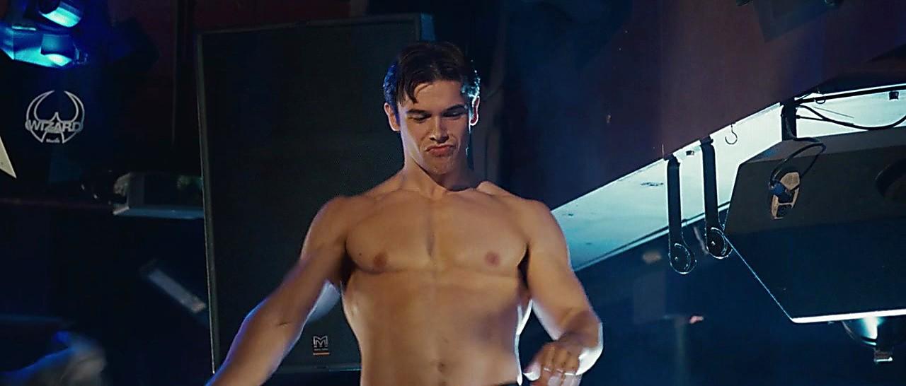 Paul Telfer sexy shirtless scene April 18, 2017, 12pm
