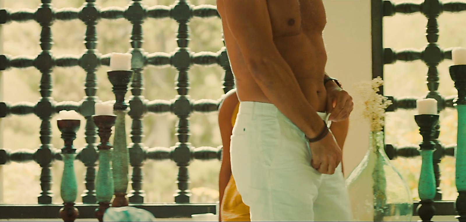Paulo Pires sexy shirtless scene May 19, 2020, 4am