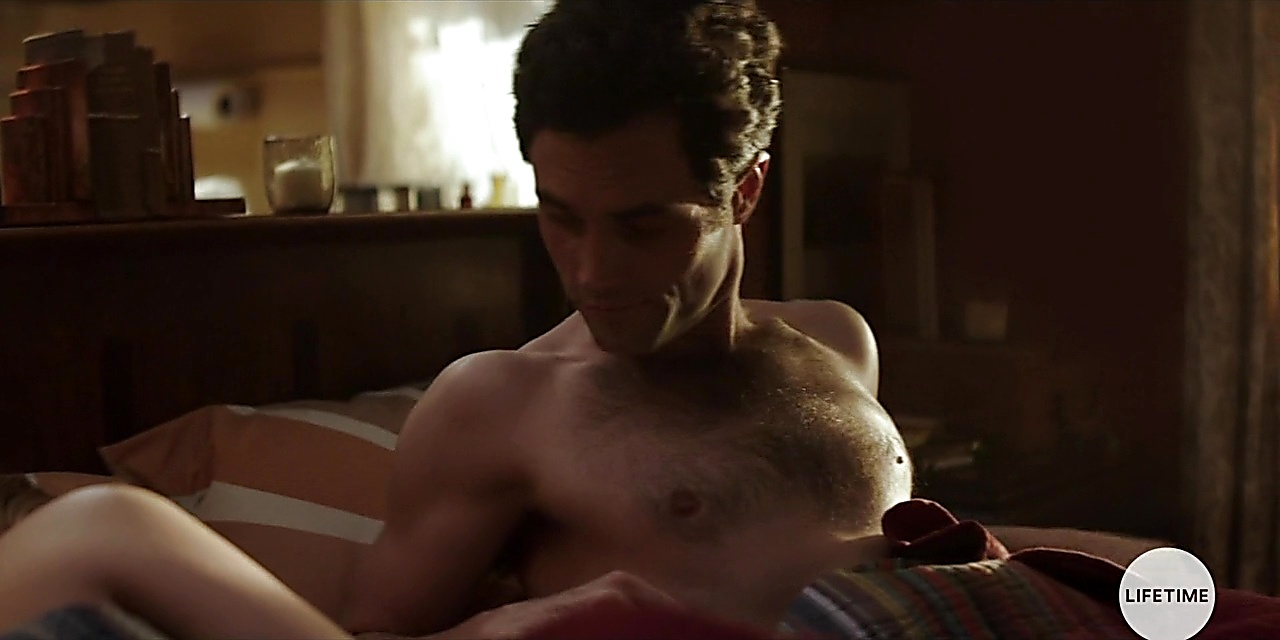 Penn Badgley sexy shirtless scene November 5, 2018, 1pm