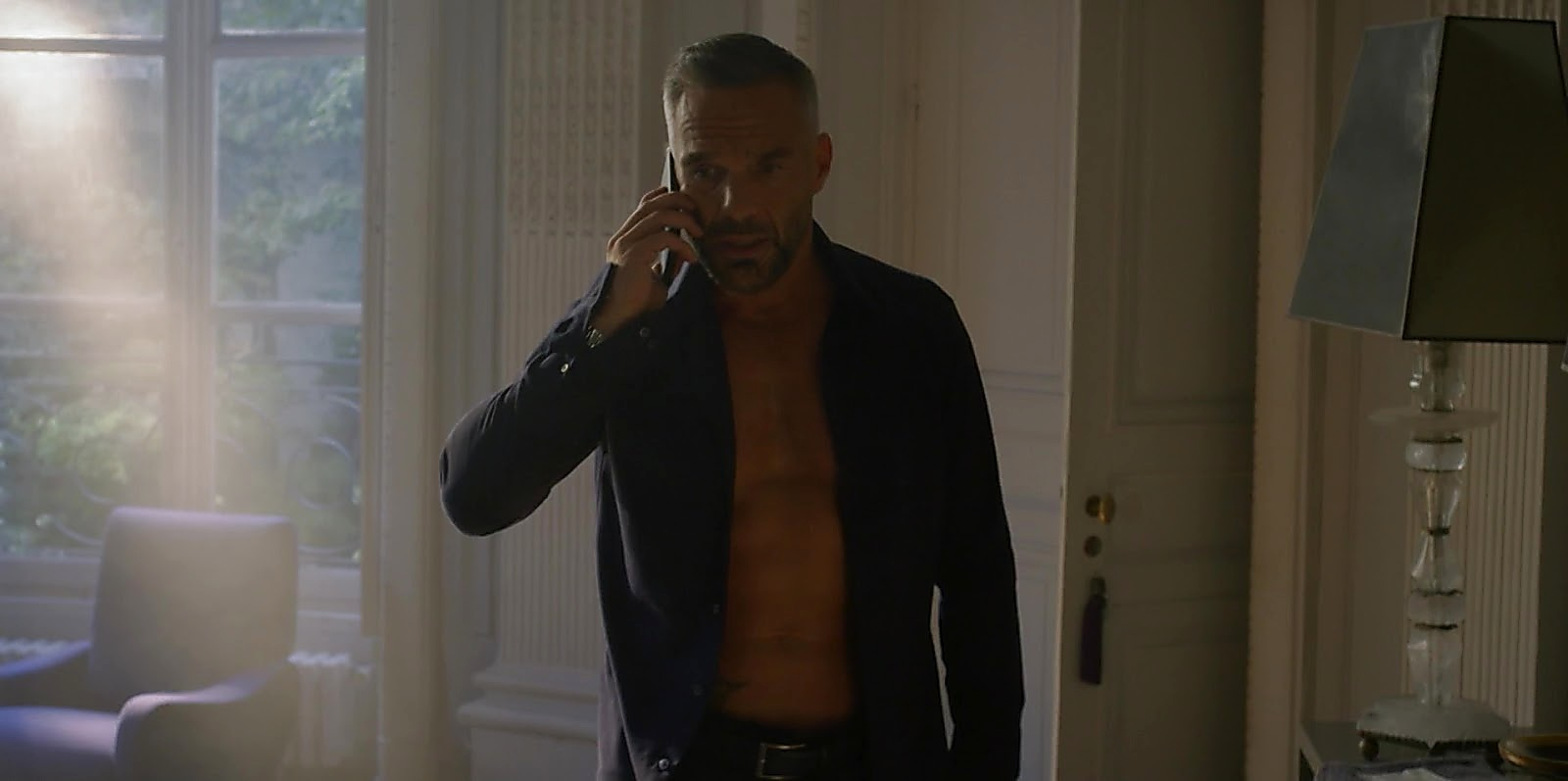 Philippe Bas sexy shirtless scene March 8, 2020, 2pm