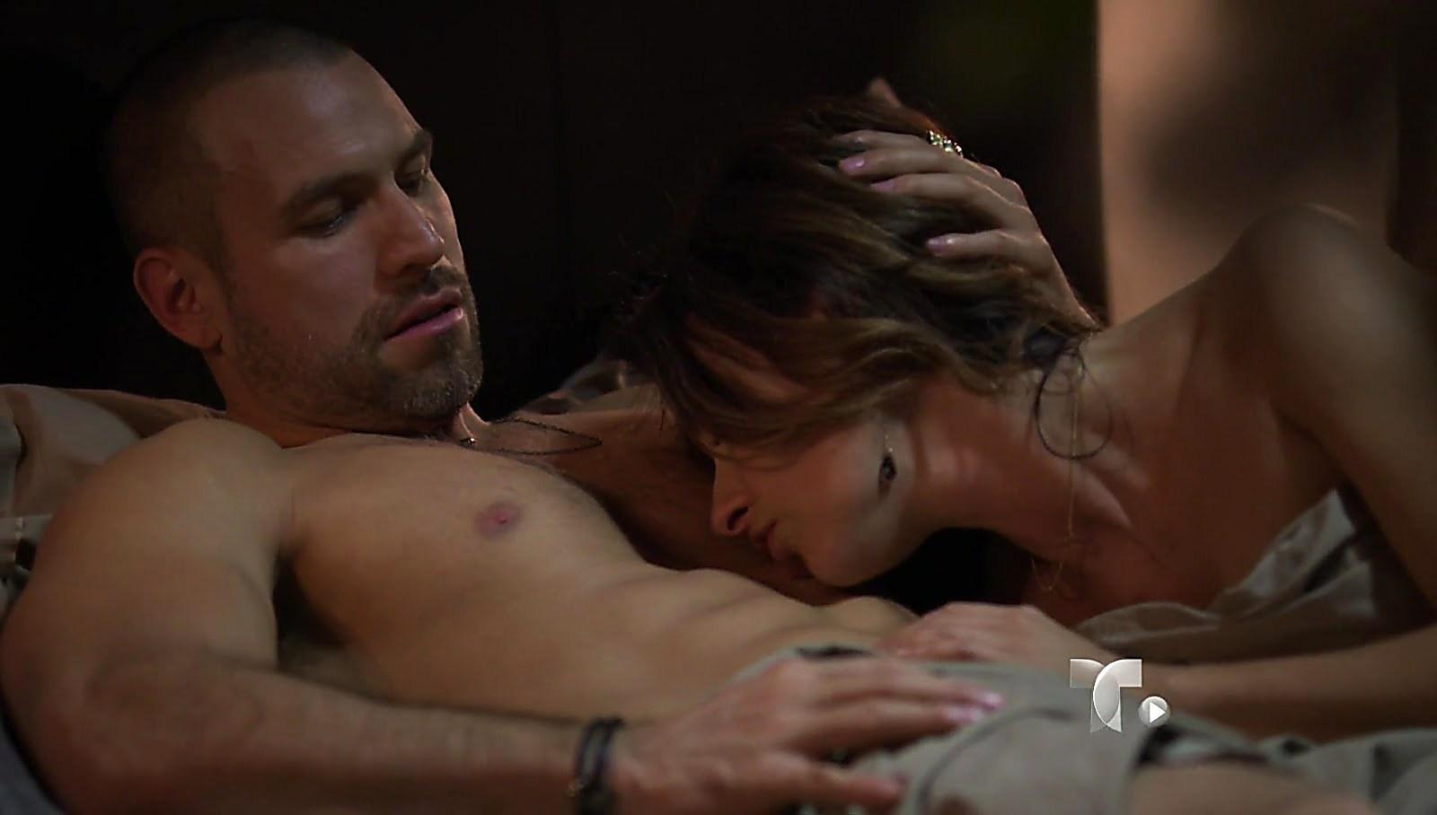 Rafael Amaya sexy shirtless scene August 24, 2017, 1pm