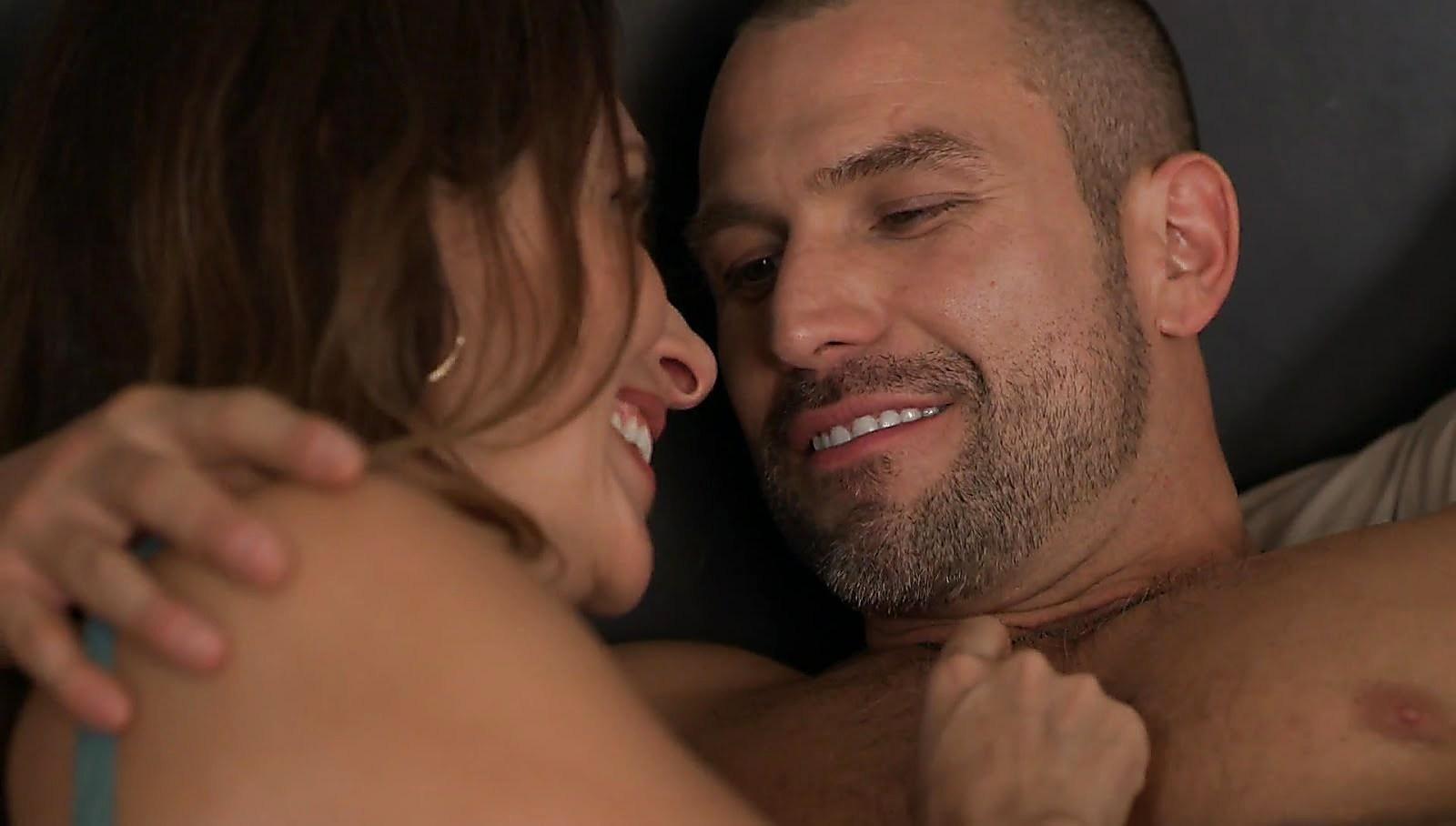 Rafael Amaya sexy shirtless scene September 1, 2017, 12pm