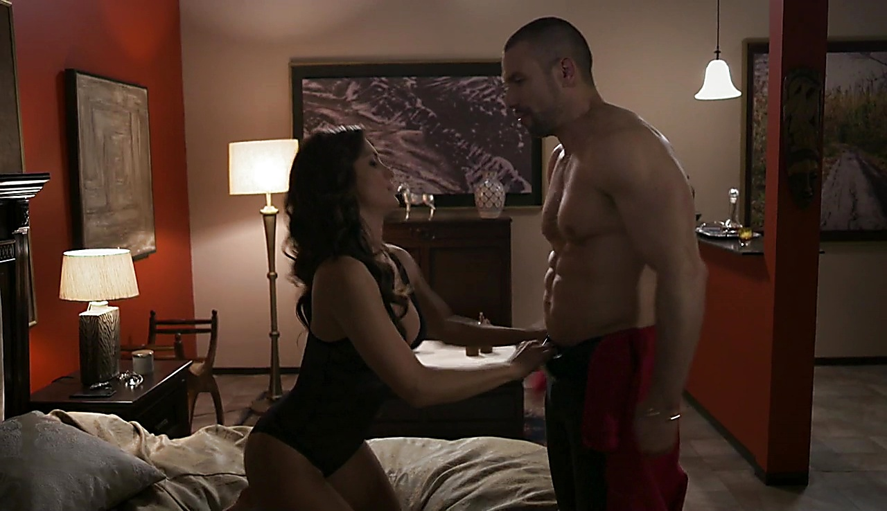 Rafael Amaya latest sexy shirtless scene October 26, 2017, 12pm