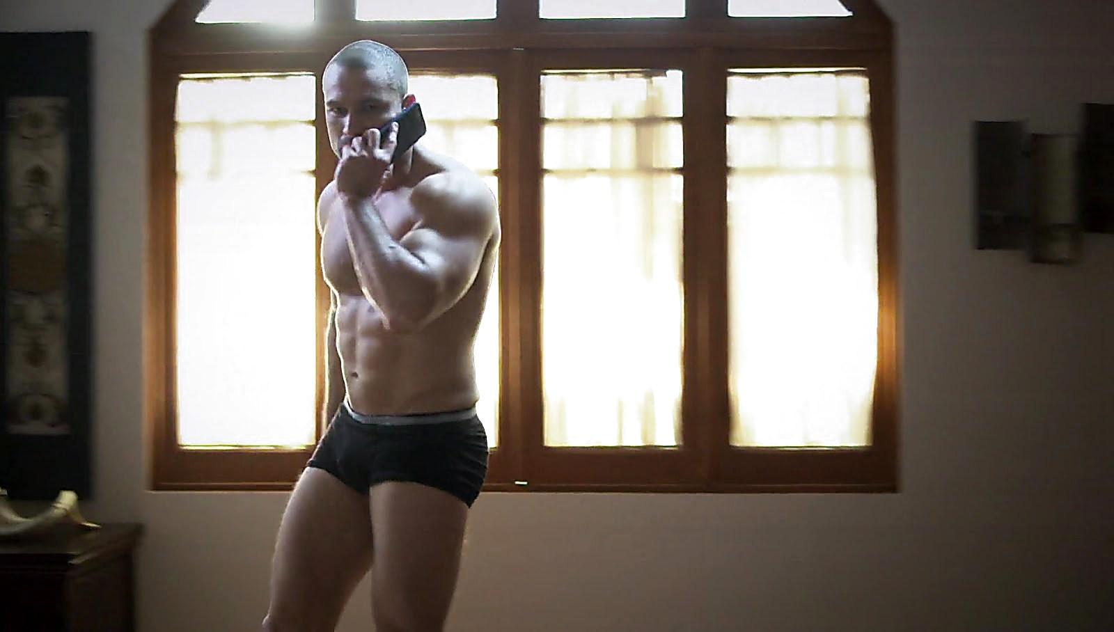 Rafael Amaya sexy shirtless scene October 26, 2017, 12pm