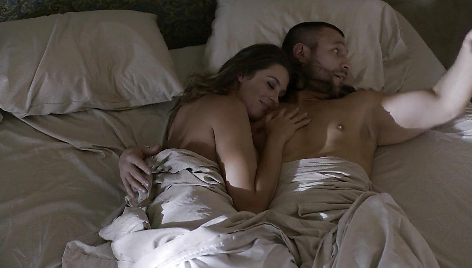 Rafael Amaya sexy shirtless scene May 22, 2018, 11am