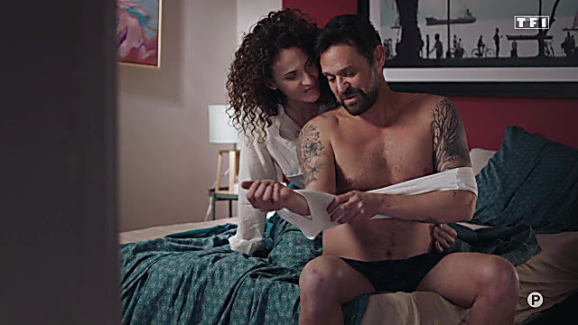 Renaud Roussel sexy shirtless scene May 21, 2021, 5am