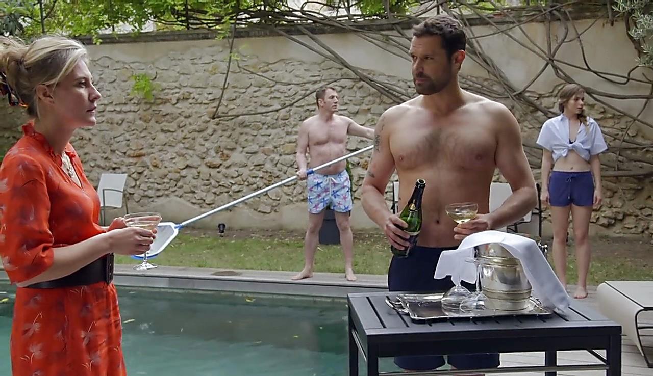 Renaud Roussel sexy shirtless scene June 15, 2017, 1pm
