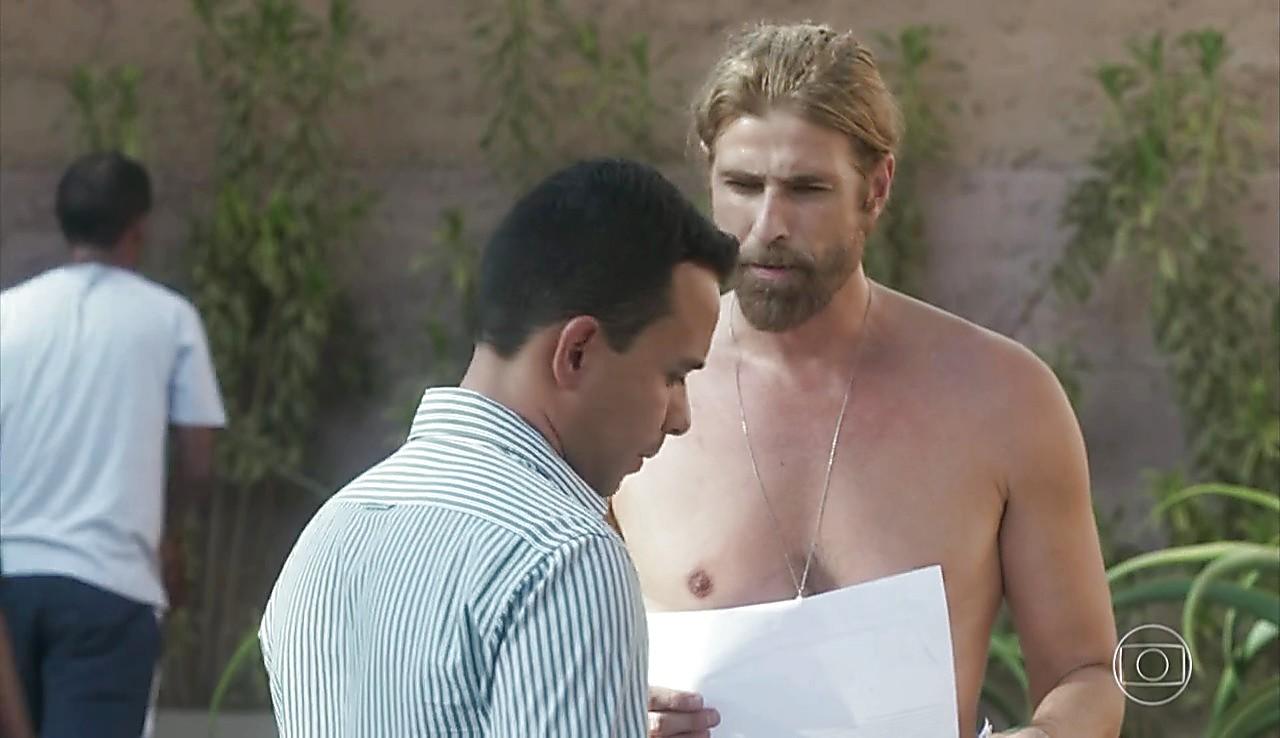 Reynaldo Gianecchini latest sexy shirtless scene January 29, 2017, 12pm