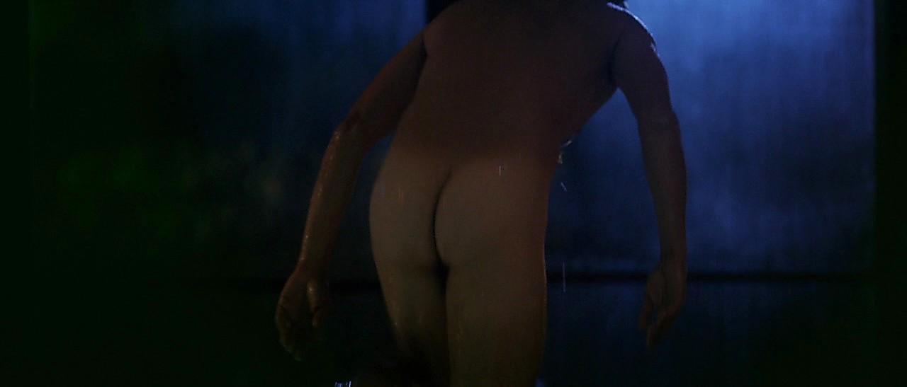 Riccardo Scamarcio sexy shirtless scene February 14, 2017, 3pm